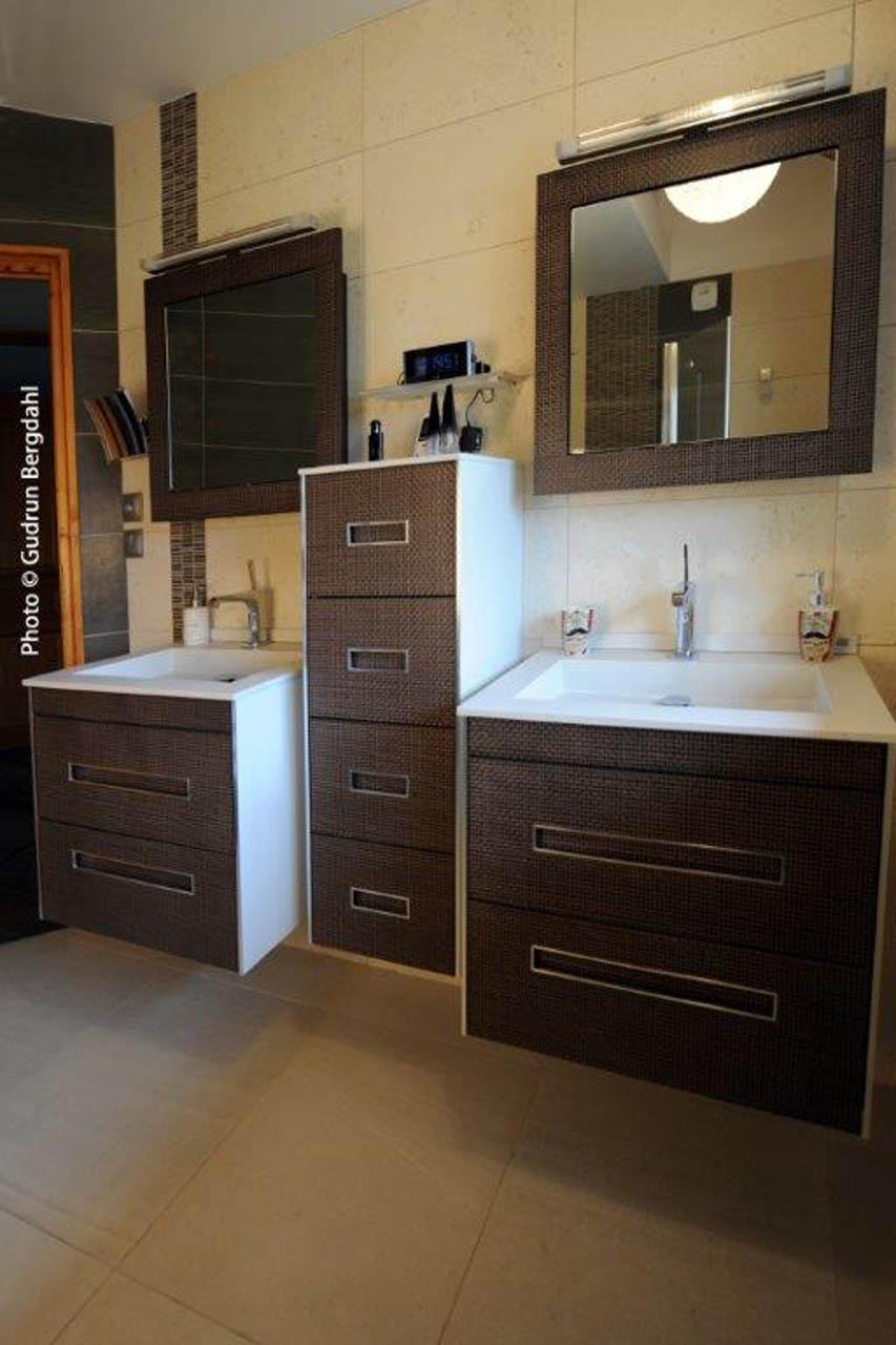 Ensemble salle de bain - Energie renouvelables - Cluses Thyez Marignier Bonneville Scionzier Marnaz Vougy Haute-Savoie